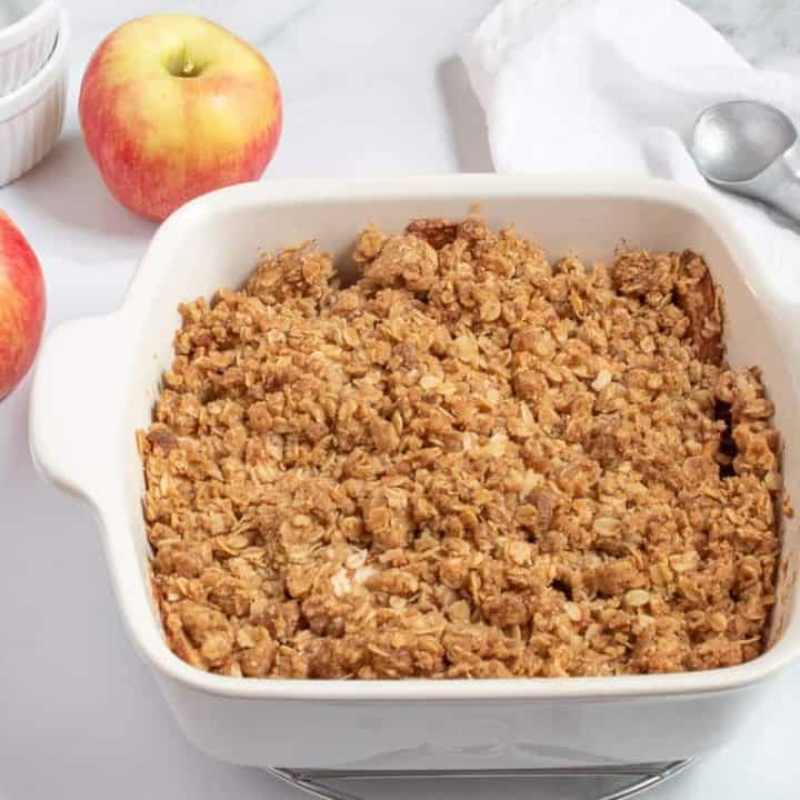apple crisp ready to serve