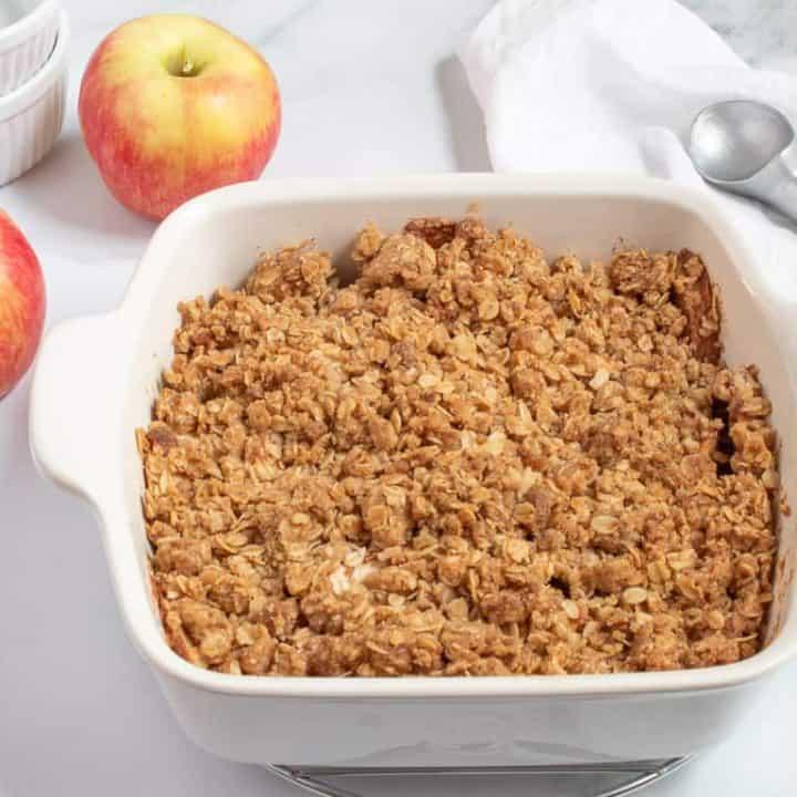 apple crisp ready to serve